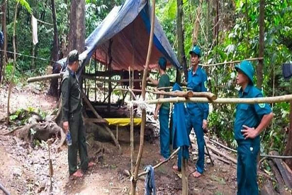 Sáu người ở Đà Nẵng vào rừng dựng lán trại, khai thác vàng trái phép