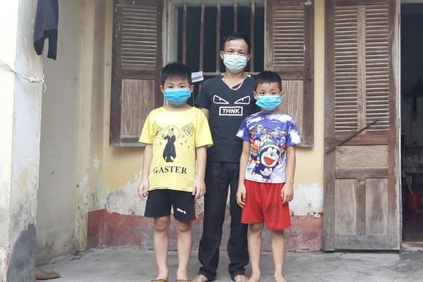Mẹ đột ngột qua đời, cha suy thận, hai đứa trẻ sống cảnh đói khát