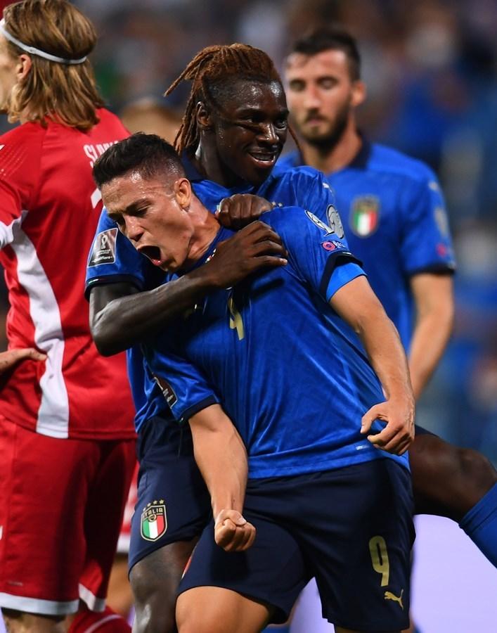Các nhà vô địch EURO đã lập kỷ lục thế giới mới như thế nào?