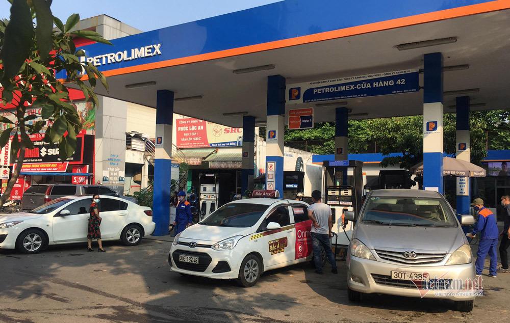 Giá xăng dầu đảo chiều, vào đợt tăng giá mới