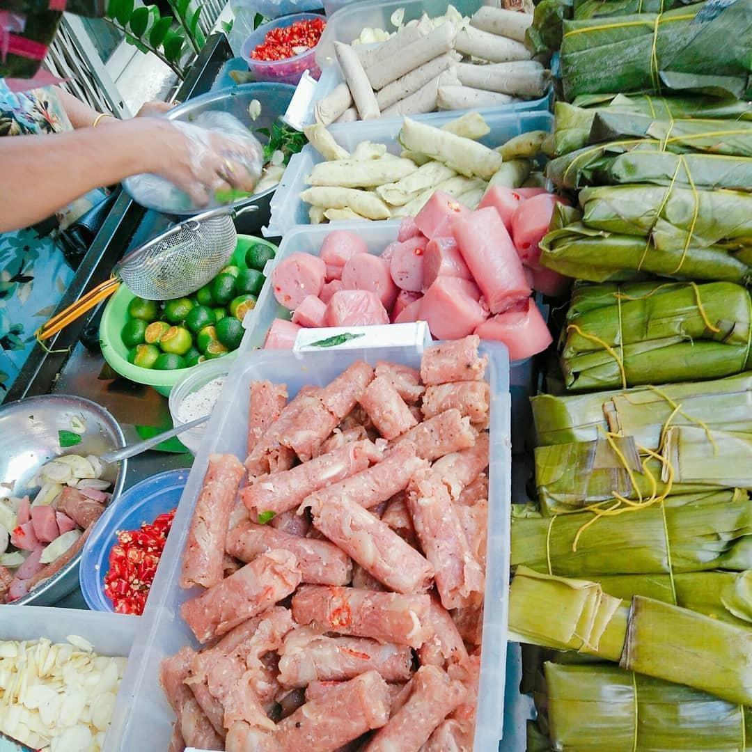 Món ăn 'rẻ bèo' gốc miền Trung được cải biến 'làm mưa làm gió' ở Sài Gòn