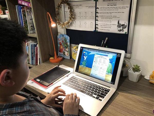 Millions of students start onlinelearning