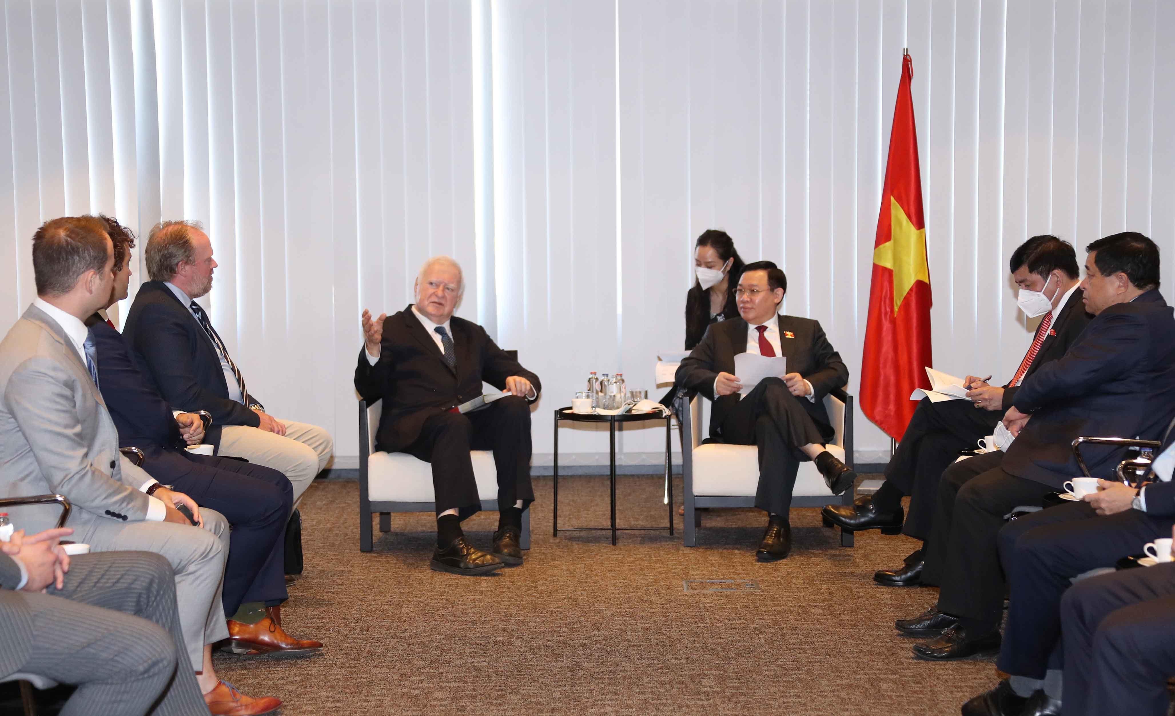 Việt Nam sẵn sàng trở thành trung tâm sản xuất vắc xin ở khu vực