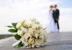 Bàng hoàng khi biết tin em gái kết hôn với chồng cũ