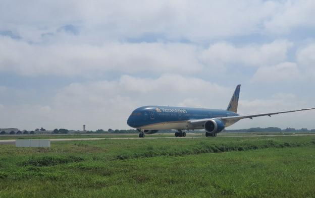 Đưa đường băng 1B sân bay Nội Bài vào khai thác