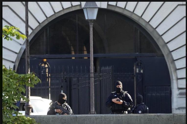 Nghi phạm vụ khủng bố Paris nhận là chiến binh IS