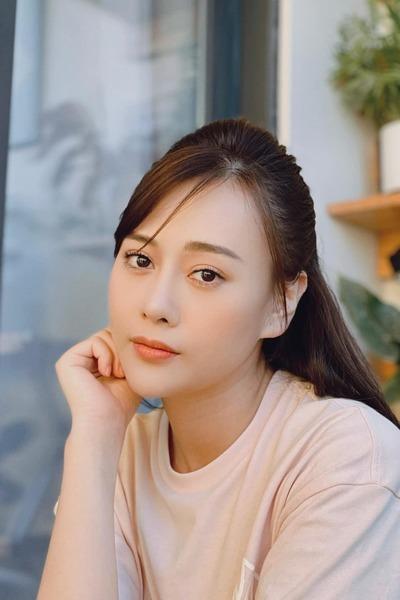 Phương Oanh từ 'vịt hóa thiên nga' trong 'Hương vị tình thân'
