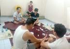 Đánh bạc giữa lúc dịch, 7 người ở Hà Nội bị khởi tố