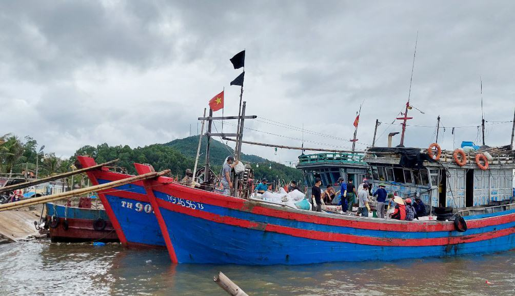 26 ngư dân mất liên lạc ở Thanh Hóa đang vào nơi trú bão an toàn