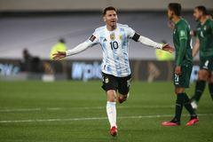 Messi lập hat-trick vượt mặt Pele, Argentina thắng to