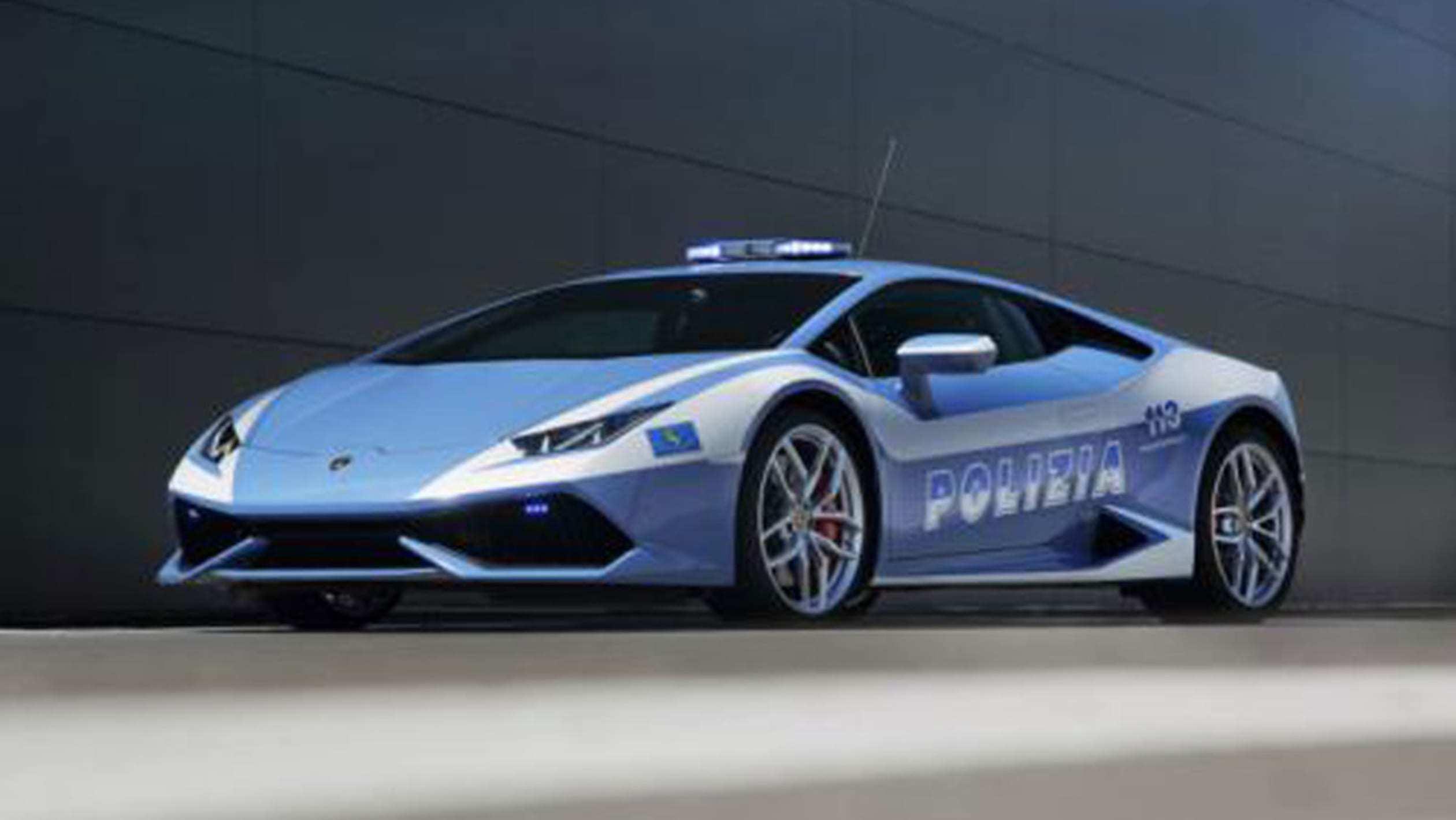 Rolls-Royce, Lamborghini, Ferrari và loạt xe đua gia nhập đội xe cảnh sát thế giới