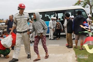 Đà Nẵng khẩn trương đưa 97 người ra khỏi rừng để tránh bão Côn Sơn