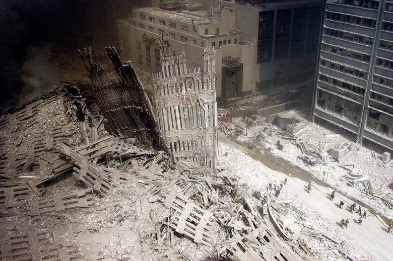 Nhìn lại những bức hình gây ám ảnh về thảm họa khủng bố 11/9