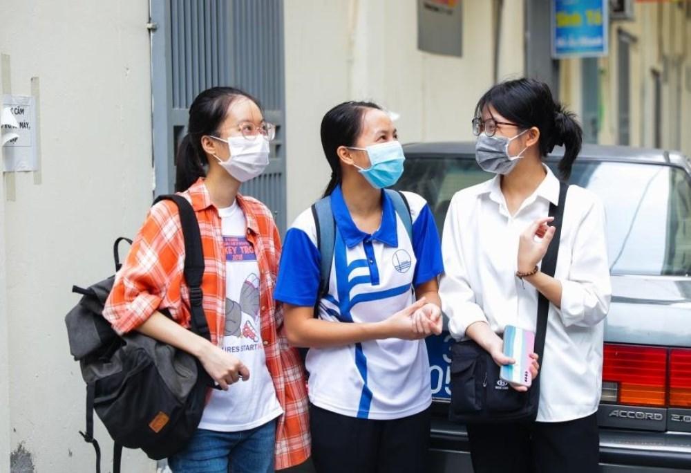 Sinh viên y, dược hỗ trợ chống dịch Covid-19 ở Hà Nội