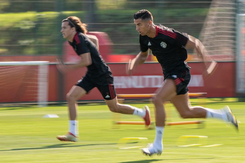 MU vs Newcastle: Tưng bừng ra mắt Ronaldo