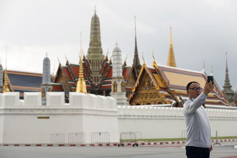 Bangkok mở cửa đón khách quốc tế, Mỹ tính tiêm vắc xin Covid-19 cho trẻ 5 tuổi