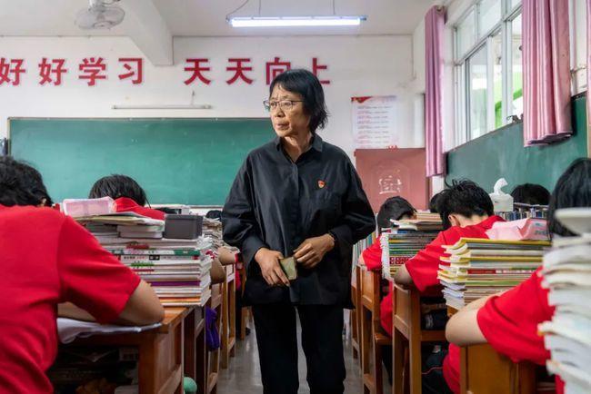Trung Quốc vinh danh những nhà giáo cống hiến cho nông thôn