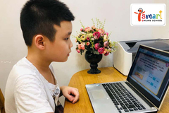 Học trực tuyến lên ngôi, phụ huynh tấp nập 'mang lớp học về nhà'