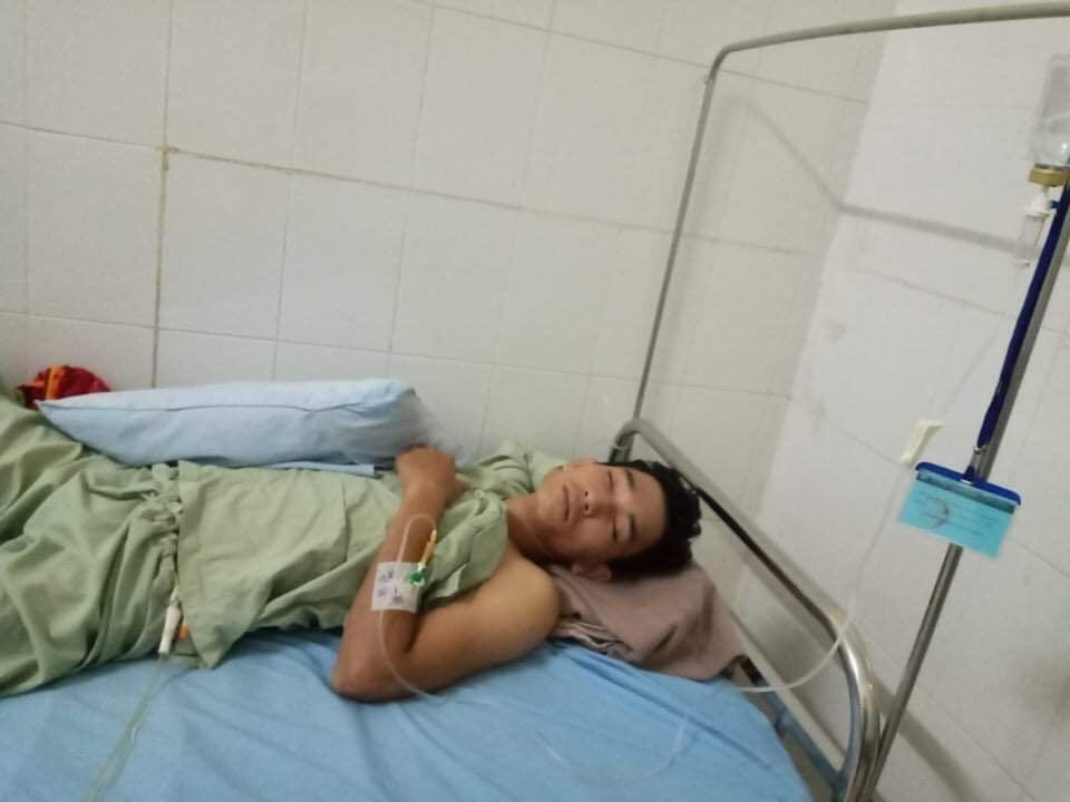 Cha mẹ bệnh tật liệt giường, con trai tai nạn cầu cứu