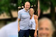 Bà mẹ hạnh phúc gặp con trai sau 30 năm từ bỏ quyền nuôi dưỡng