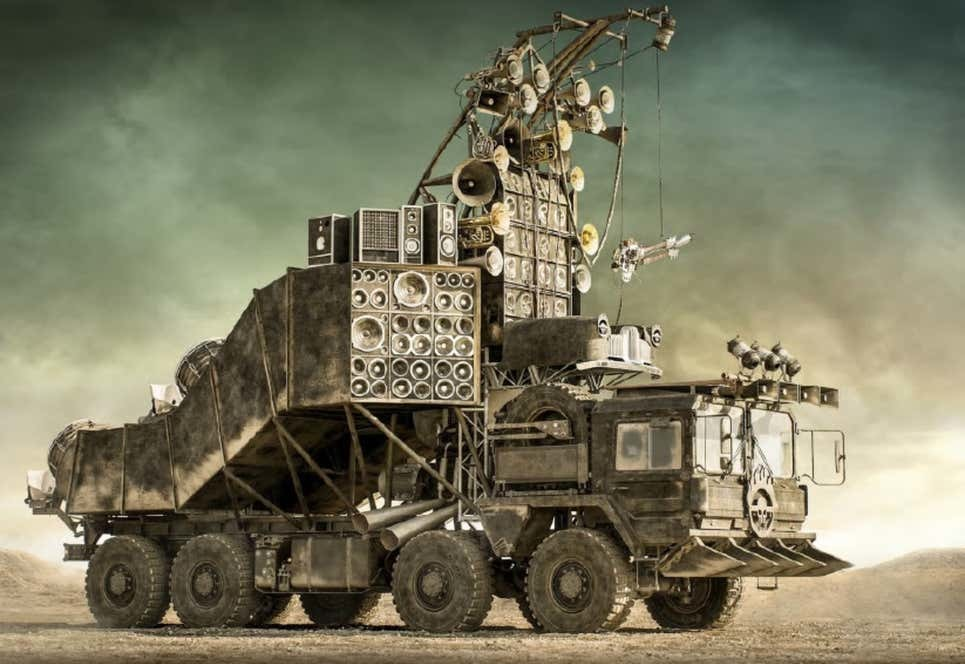 Đấu giá 13 chiếc xe từ phim bom tấn 'Max Điên: Con đường tử thần'