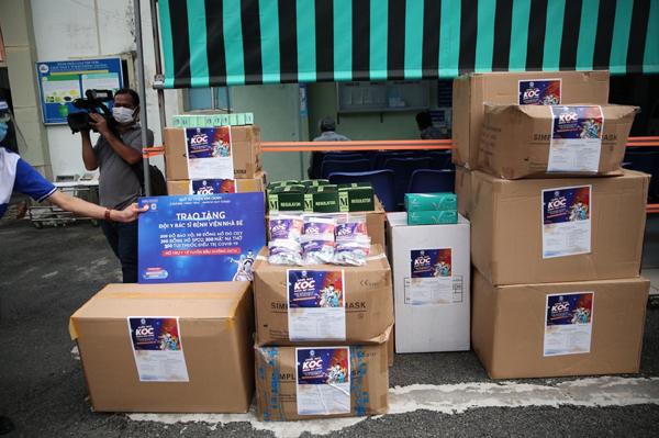 Kim Oanh Group tiếp tục hỗ trợ thuốc, vật tư y tế chống dịch ở TP.HCM, Bình Dương