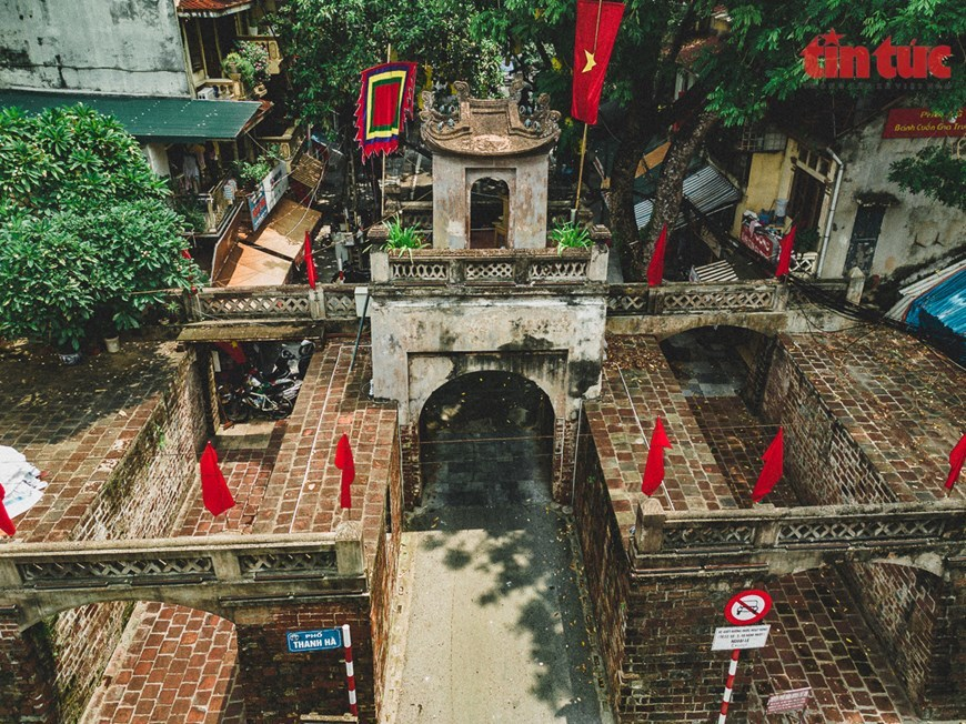 Quan Chuong Gate stands the test of time