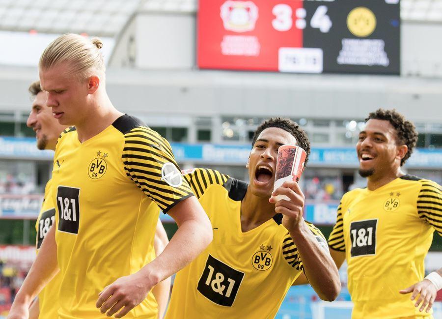 Erling Haaland lập cú đúp, Dortmund thắng trận 'điên rồ'