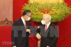 Vietnamese leaders host reception for Chinese Foreign Minister