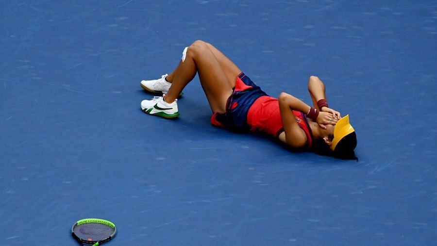 Emma Raducanu viết lại lịch sử tennis với chức vô địch US Open
