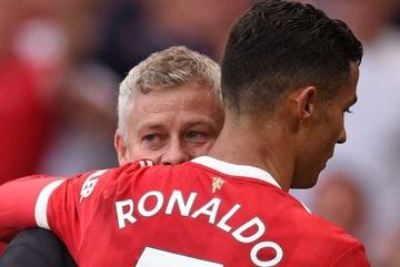 Solskjaer: 'Ronaldo là vậy, không thay được đâu'