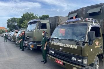 Bộ Quốc phòng tặng TP.HCM 100.000 phần quà, 4.000 tấn gạo đểhỗ trợ người dân