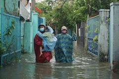 Central Vietnam submerged after hours of heavy rainfall