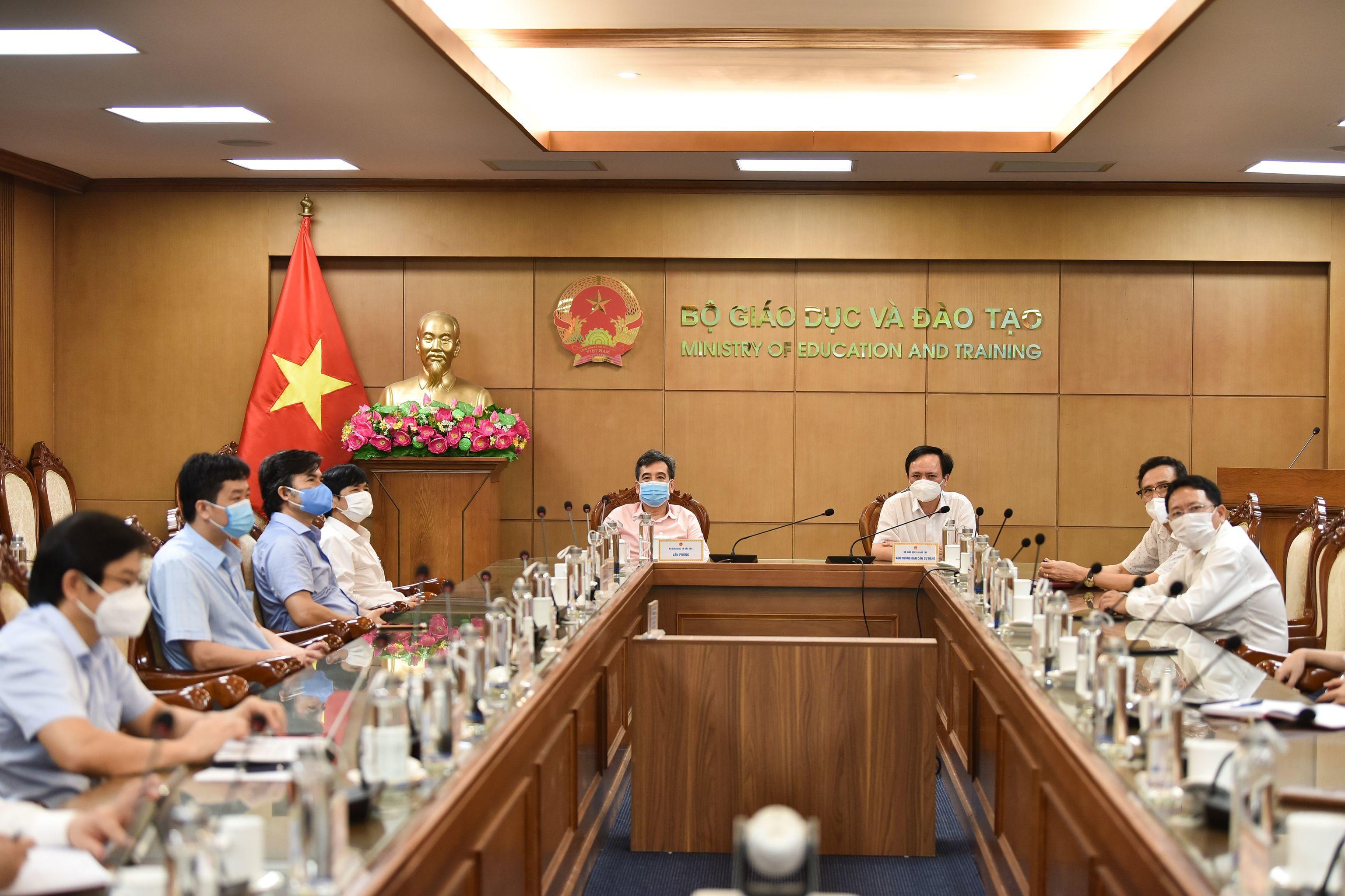 Thủ tướng Phạm Minh Chính phát động Chương trình 'Sóng và máy tính cho em'