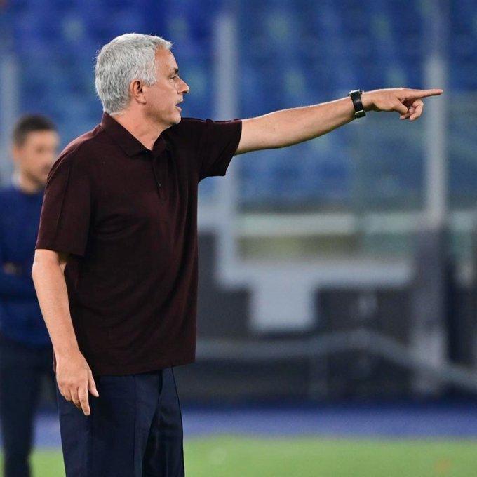 Roma thắng kịch tính, Mourinho vui hết nấc ở trận cầu đặc biệt