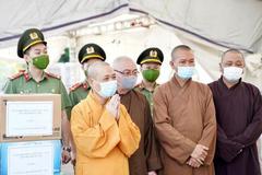 Giáo hội Phật giáo Hà Nội thăm, tặng quà các chốt kiểm dịch Covid-19