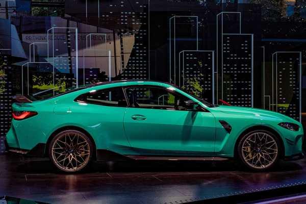 Chiêm ngưỡng xe sang BMW M4 màu xanh Mint lạ mắt