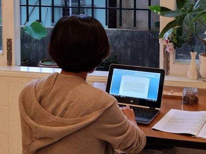 Làm việc tại nhà, nhân viên 'ngao ngán' nửa đêm sếp vẫn gọi giao việc