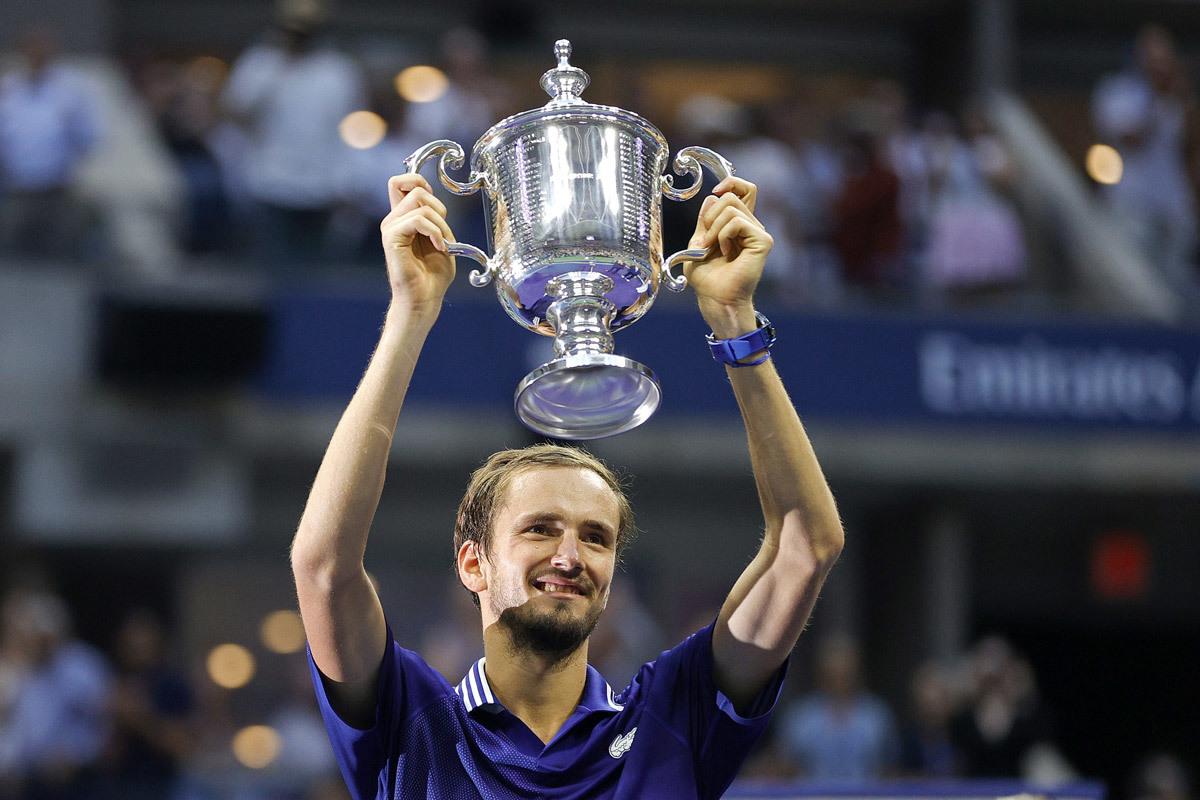 Medvedev phá vỡ giấc mơ Djokovic: Điều kỳ diệu từ nước Nga