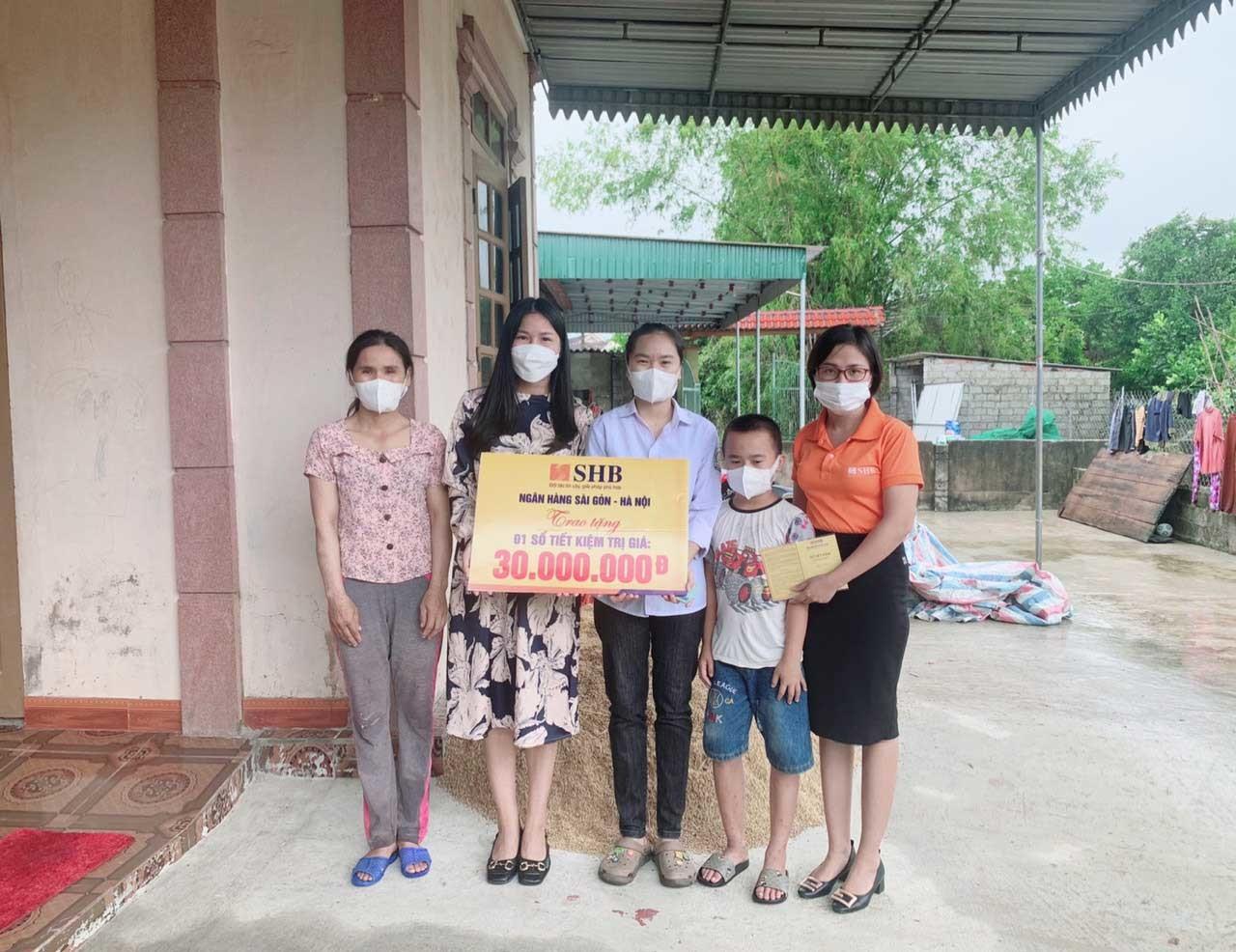 4 nữ sinh ở Hà Tĩnh được ủng hộ hơn 1 tỷ đồng chia sẻ niềm vui đỗ đại học