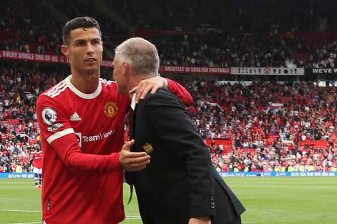 Solskjaer cảnh báo Ronaldo: Không thể trận nào cũng ra sân!