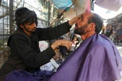 Thợ hớt tóc ở Afghanistan khốn đốn sau khi Taliban lên nắm quyền