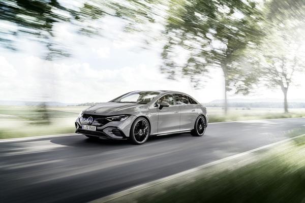 Mercedes ngừng đầu tư vào công nghệ plug-in hybrid để giảm chi phí