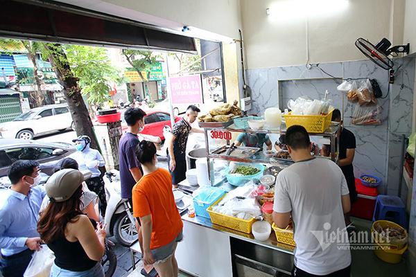 Hà Nội cho phép bán hàng mang về ở nhiều quận, huyện
