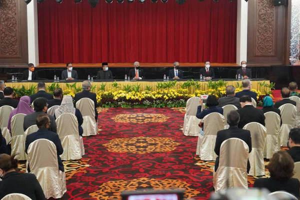 Chính phủ Malaysia đạt thỏa thuận lịch sử với phe đối lập
