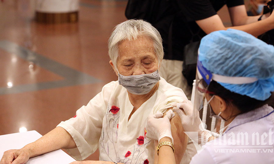 Phê duyệt khẩn cấp vắc xin Covid-19 thứ 8 lưu hành tại Việt Nam