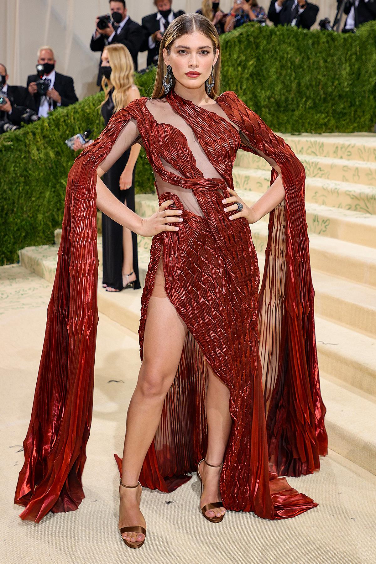 'Bom sex' Megan Fox cùng loạt mỹ nhân đua nhau hở bạo ở Met Gala