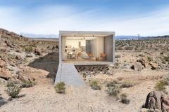 Ngôi nhà nằm cô quạnh giữa hoang mạc bán giá gần 2,5 triệu USD