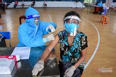 TP.HCM: Nhiều điểm tiêm vắc xin không cần thư mời, đăng ký trước