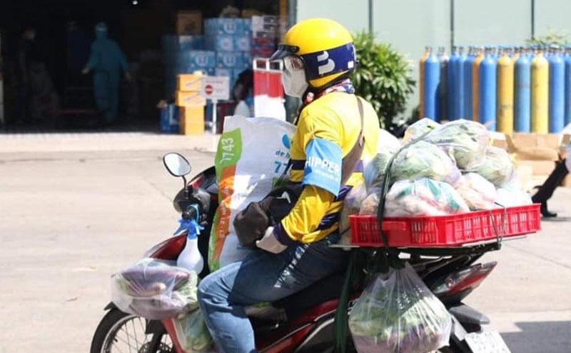 Xe ôm công nghệ triển khai đi chợ hộ tại Hà Nội
